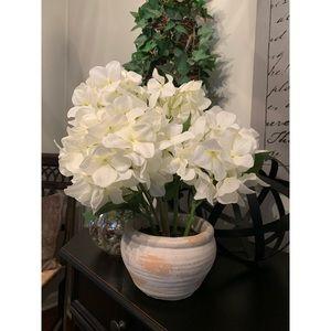 HOME GOODS Faux White Hydrangea Plant